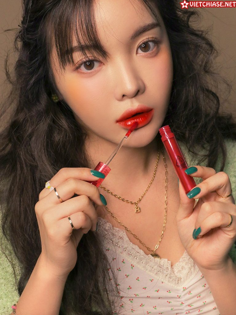 Son-3ce-flash-lip-tint-taking-red